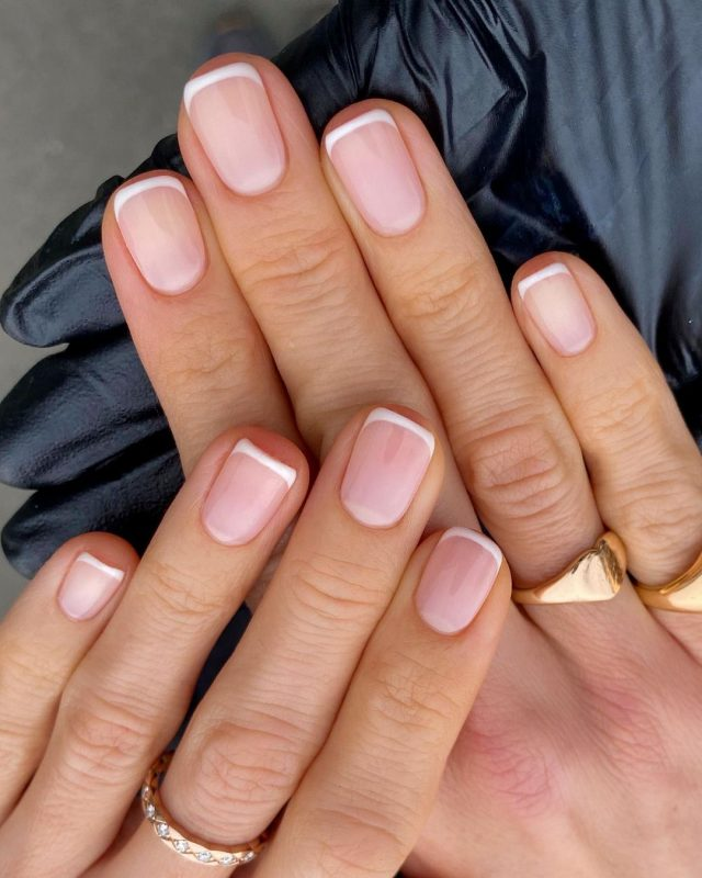 How to Apply the Top Coat for French Manicure
